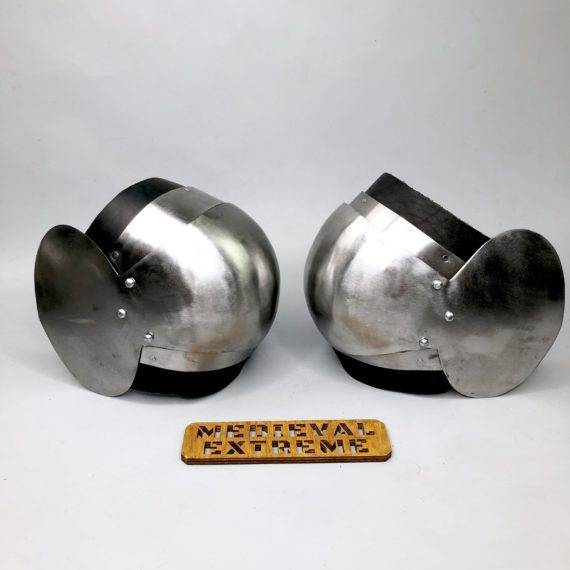 Rounded segmented elbows for armored combat