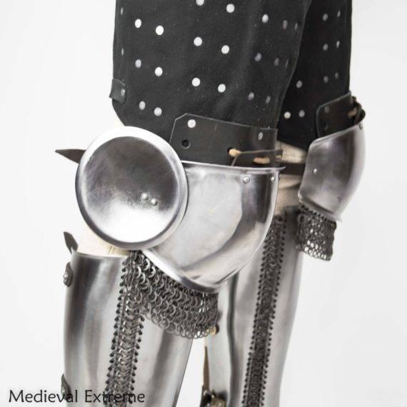 Eastern style knees armor