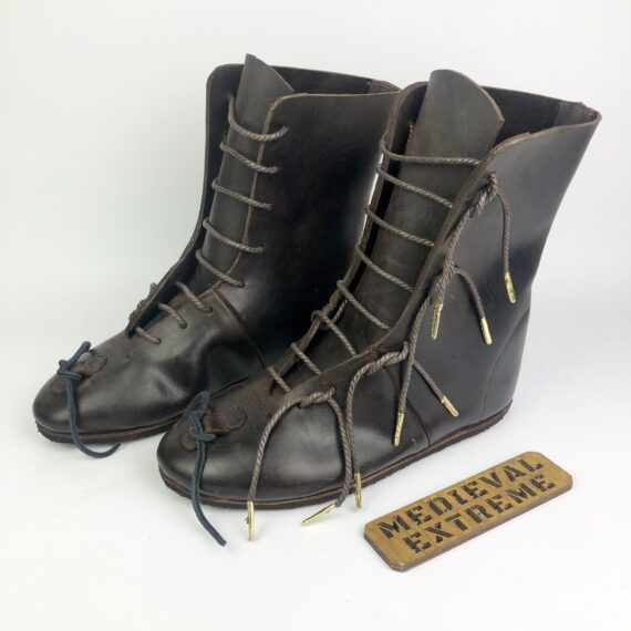 Battle boots with laes
