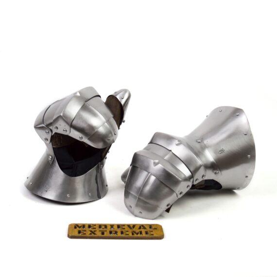 Gauntlets Wilhelm for armored combat