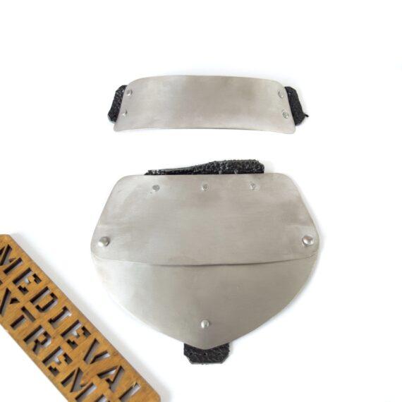 Small neck shield for gambezone 2 parts