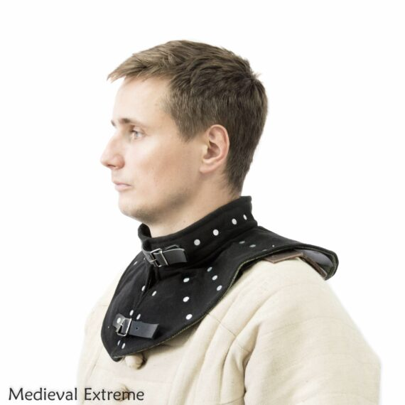 Collar with hidden plates for medieval combat