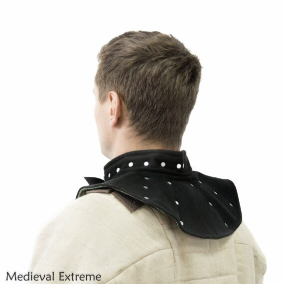 Collar with hidden plates for medieval combat side